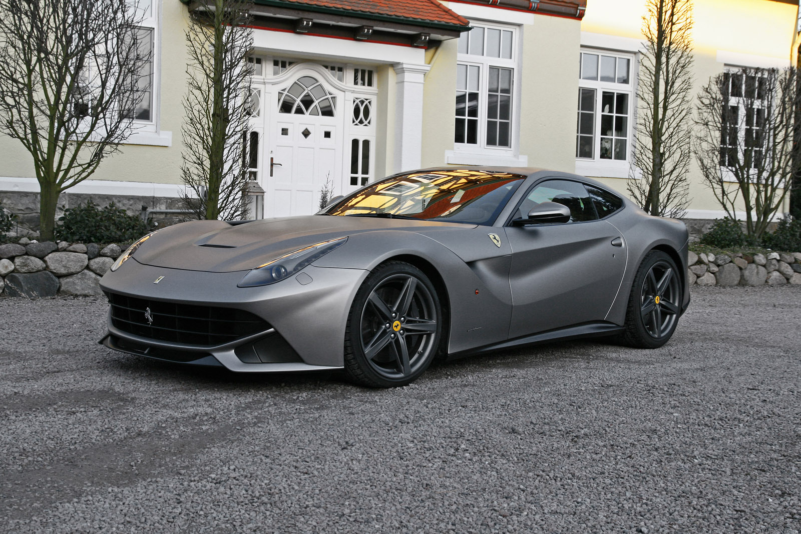 cam shaft ferrari f12 berlinetta top speed 340 km h. Black Bedroom Furniture Sets. Home Design Ideas