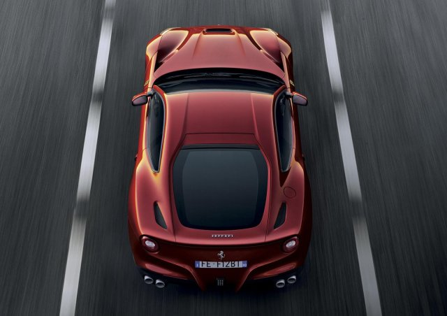 Ferrari F12 Berlinetta Picture 3
