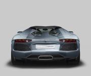 Lamborghini Aventador Roadster 4