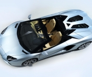 Lamborghini Aventador Roadster 13