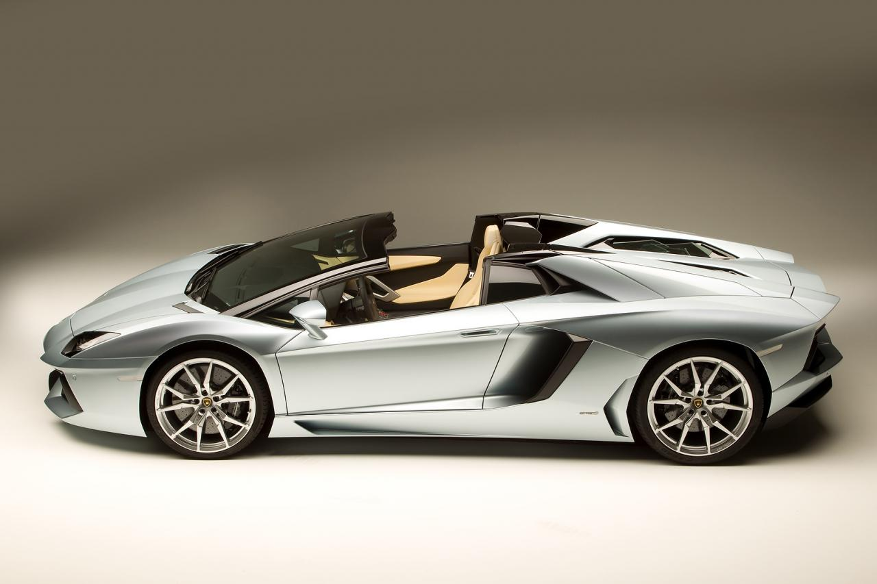 lamborghini aventador roadster picture 19 of 21. Black Bedroom Furniture Sets. Home Design Ideas