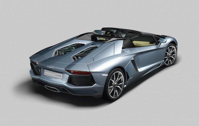 lamborghini aventador roadster 10 Gallery