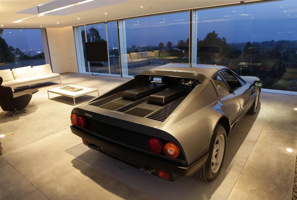 bc570becf4ges006 Report: Award winning garage may lose its driveway
