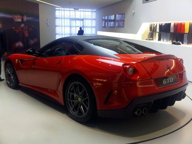 9b8c167054630op Spy Shots: Ferrari 599 GTO spotted again, still looks awesome