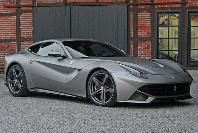 CAM SHAFT Ferrari F12 Berlinetta - Top Speed 340 km/h