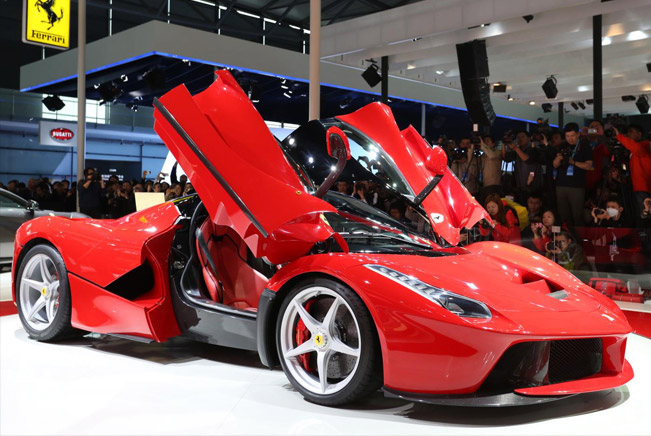 Ferrari will probably introduce a special LaFerrari-based model