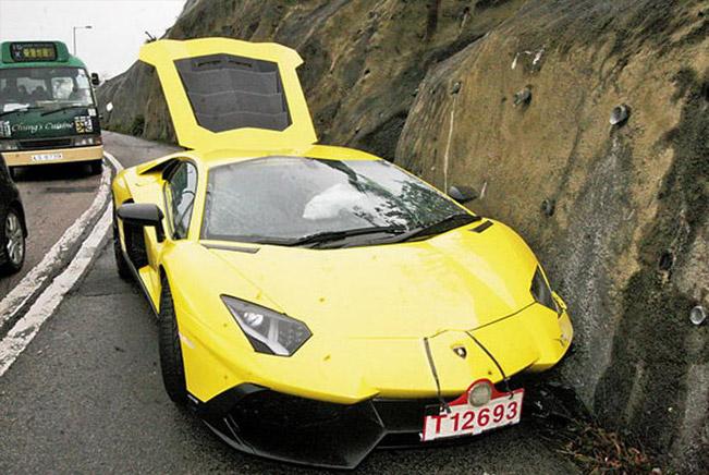 Lamborghini Aventador LP 720-4 50 Anniversario [crash]