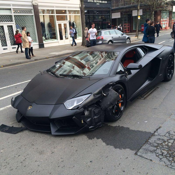 Lamborghini Aventador crash 01 Matte Black Lamborghini Aventador [crash]