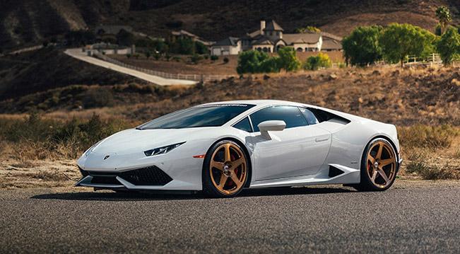 Lamborghini Huracan With Custom Hre Classic 305m