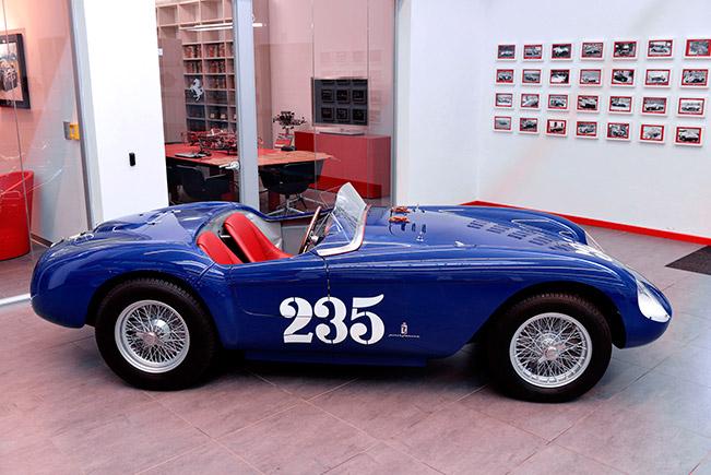 1954 Ferrari 500 Mondial Spyder Side