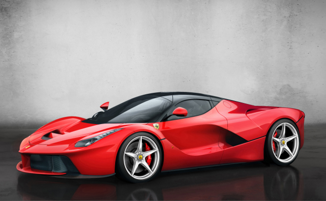 "LaFerrari receives ""Hypercar of the Year"" award"