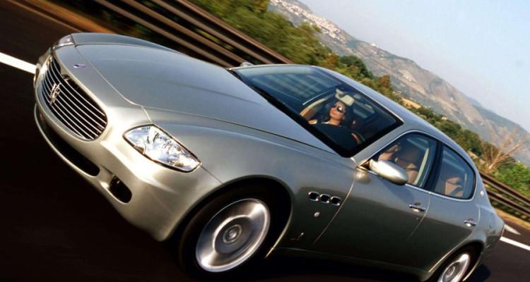 Maserati Quattroporte 2004 Front Angle
